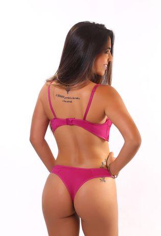 D63-Compra-Facil-lingerie-Revenda-Foto-Modelo-Costas