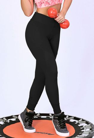 calca-fitness-cigarreti-compra-facil-lingerie-Revenda-Foto-Modelo-Frente-PRETA-MODELO