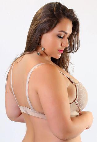 situa-em-renda-plus-size-compra-facil-lingerie-Revenda-Foto-Modelo-Costas